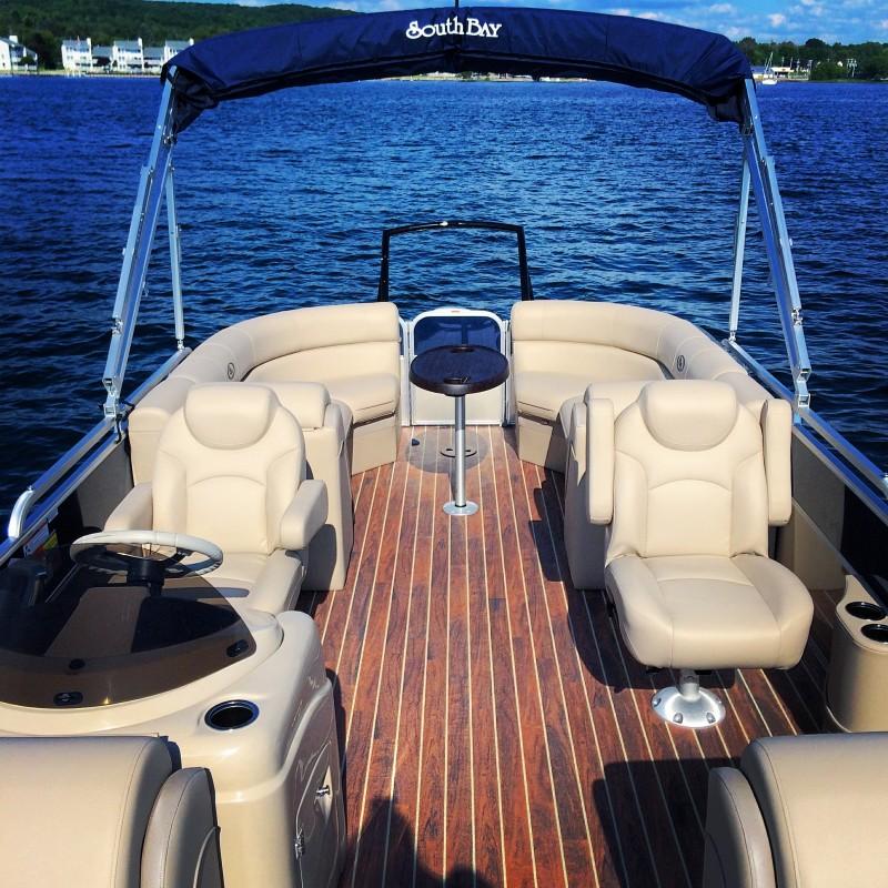 Platinum Tritoon | Boyne Watersports